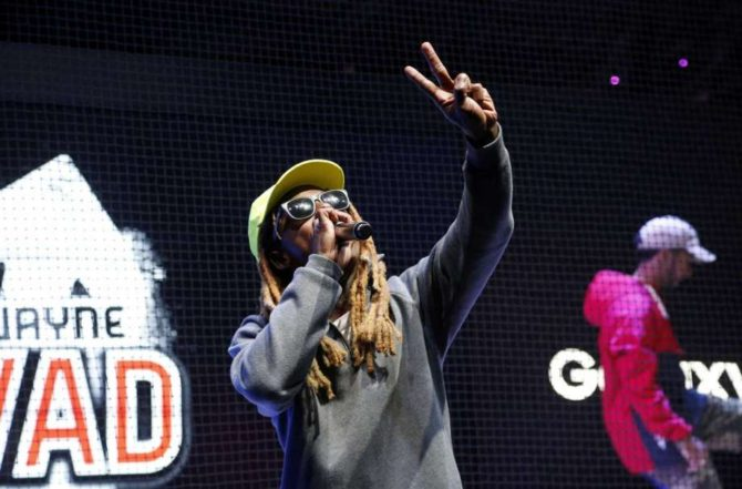 Rapper Lil Wayne performs at the Samsung area at the Electronic Entertainment Expo in Los Angeles