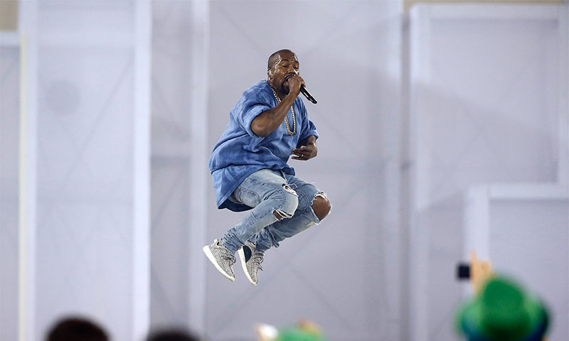 kanye-west-adidas-yeezy-boost-350-jumping-0