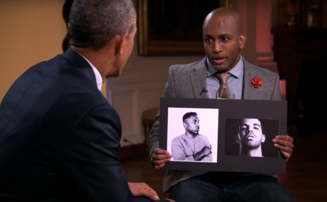 Barack Obama y Adande Throbe dutante la entrevista / YOuTube.